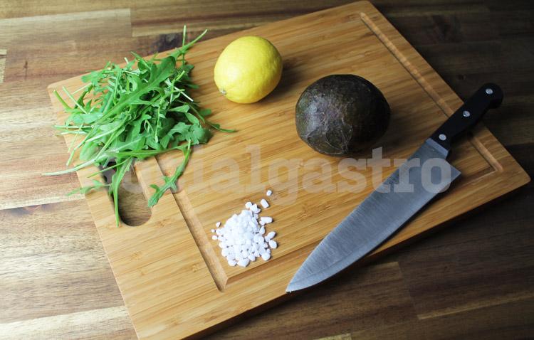 Marketing von Socialgastro für Restaurants am Beispiel eines Produktfoto mit Avocado und Zitrone.