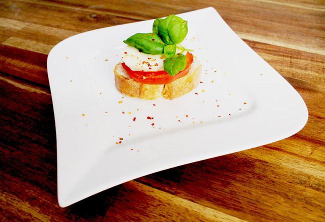 Socialgastro Restaurant Marketing stellt das Rezept der Woche vor. Eine leckere Vorspeise Caprese.